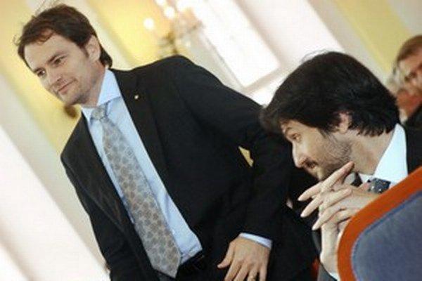 Igor Matovič dodal Robertovi Kaliňákovi splnomocnenca pre Rómov. Teraz ich delí razia v Matovičovej firme.