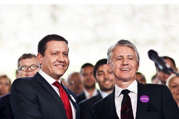 Konzervatívec Lipšic sa pokúšal konať v zhode s liberálom Kollárom.