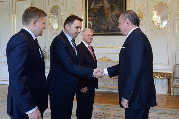 Ministerstvo hospodárstva povedie po Pavlovi Pavlisovi (Smer-SD) podpredseda vlády a šéf rezortu financií Peter Kažimír (Smer-SD).
