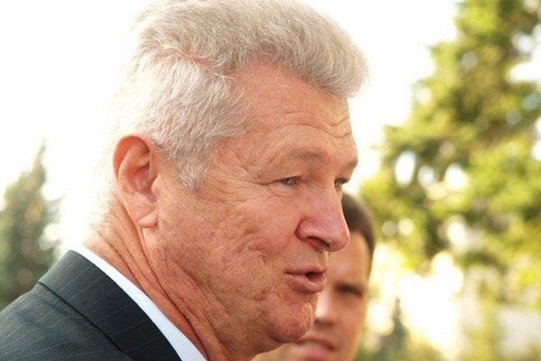 Exminister László Szigeti sa necíti vinný.