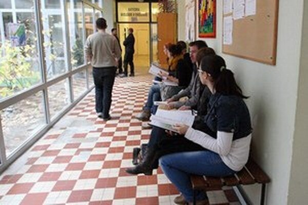 Končiaci bakalári z Popradu majú viacero alternatív, kde pokračovať v štúdiu.