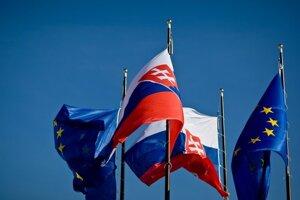 Správu o  príprave Slovenska na predsedníctvo v Európskej únii vrátane rozpočtu dnes  prerokuje vláda.
