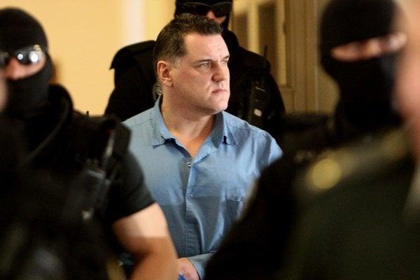 Mikuláš Černák sa priznal k vražde Róberta Holuba.