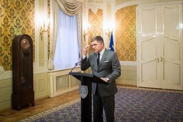 Premiér a predseda Smeru mal včera hyperplodný deň.