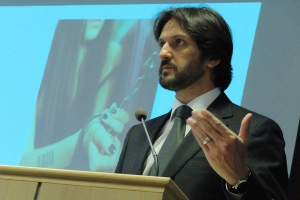 Minister predstavil novú taktiku v prevencii obchodovania s ľuďmi.