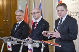 Sprava predseda vlády SR Robert Fico, predseda vlády ČR Bohuslav Sobotka a predseda vlády Rakúskej republiky Werner Faymann.