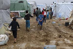Udelia Nobelovu cenu za pomoc utečencom?