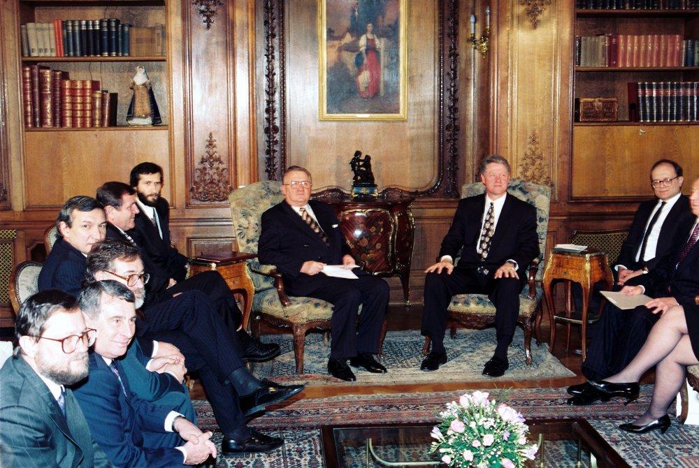 Na zasadnutí Vyšehradskej štvorky s hosťom, americkým prezidentom Billom Clintonom, v roku 1995.
