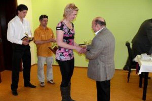 Eleonóra Gogorová si prebrala cenu za najlepšiu vzpieračku roka.