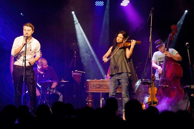Hostia. S kapelou rád spolupracuje aj Tomáš Buranovský.