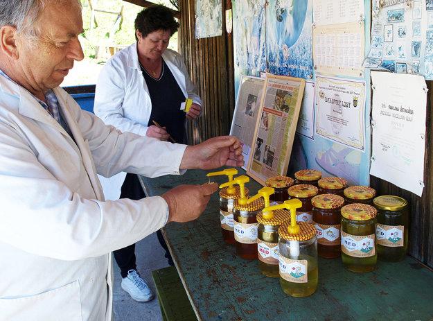Oravského medu bude tento rok nedostatok.