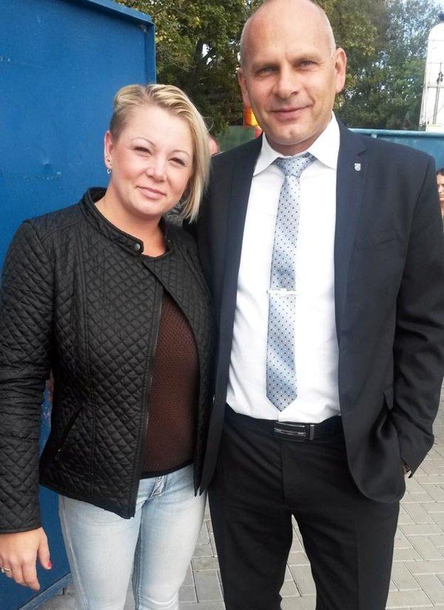 Starosta Rumanovej Jozef Jankovič bol pred zápasom ocenený poslaneckým zborom, on sa za aktivitu poďakoval Dominike Hercegovej.