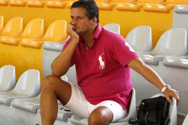 Prezident MBK SPU Nitra Stanislav Michalík sa už po dvoch zápasoch rozhodol pre tvrdé opatrenia.