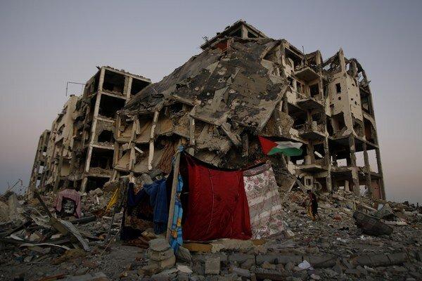 Rakety Izraelu zasiahli najmä civilné obydlia.