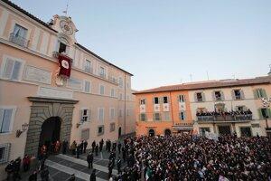 Castel Gandolfo otvoria verejnosti.