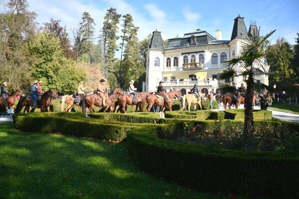 Hubertova jazda vBetliari. V minulých rokoch klesala na popularite medzi koniarmi.