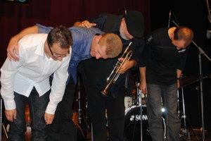 Peter Adamkovič (vľavo) a AMC Trio budú znovu súčasťou džezákov.