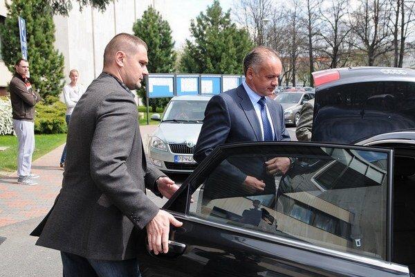 Kiska vyrazí za šéfom NATO Rasmussenom.
