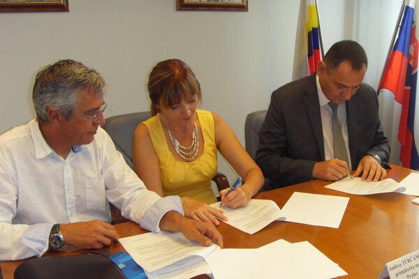 V auguste podpísali zmluvu o vzniku FTA.