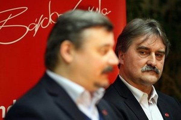 József Berényi a Gyula Bárdos.