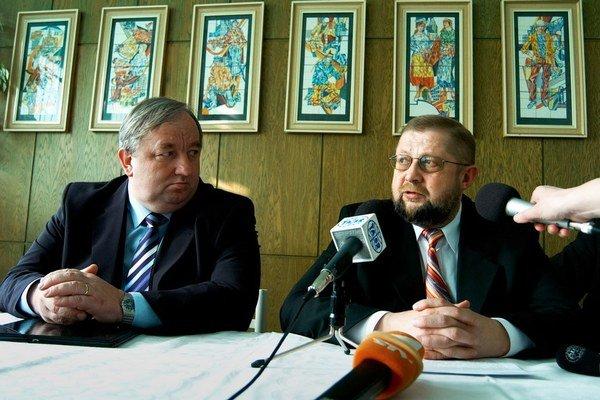 Štefan Harabin (vpravo) s Imrichom Volkaiom v roku 2007.