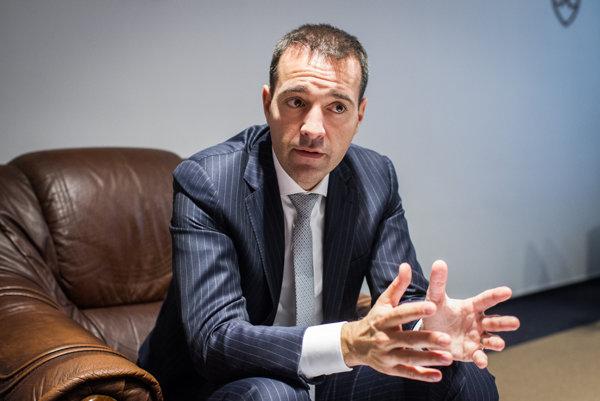 Minister zdravotníctva Tomáš Drucker (nominant Smeru).