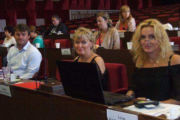 Renáta Kolenčíková (v strede).