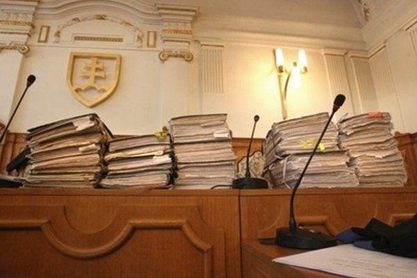 Spisy zo súdneho procesu s Milošom Černákom.