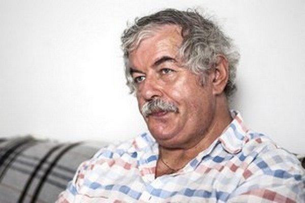 Štefan Matula pracuje od roku 1980 vo Výskumnom ústave detskej psychológie a patopsychológie, kde sa venuje budovaniu systému preventívnej a poradenskej starostlivosti o deti a mládež. Zároveň pôsobí ako súdny znalec v odbore psychológia.