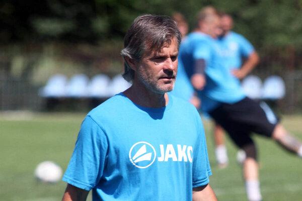 Tréner futbalistov FC Nitra Róbert Barborík.