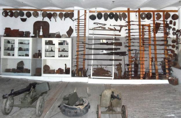 Množstvom zbraní sa môže porovnávať s profesionálnymi múzeami.
