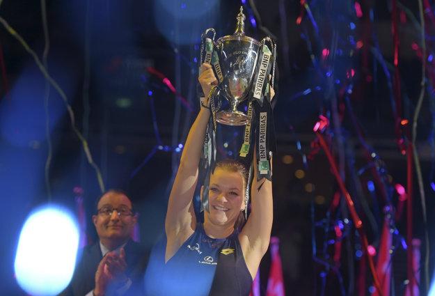 Radwanská bola vlani blízko vypadnutia, napokon ovládla celý turnaj.