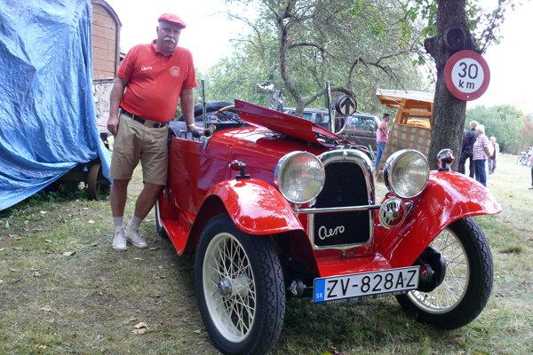 Pavel Füle svoje auto rozobral už niekoľkokrát.