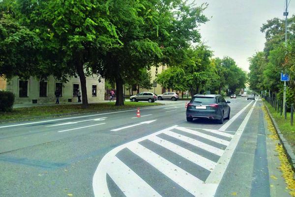 Na Hlavnej ulici sa po novom dá parkovať.