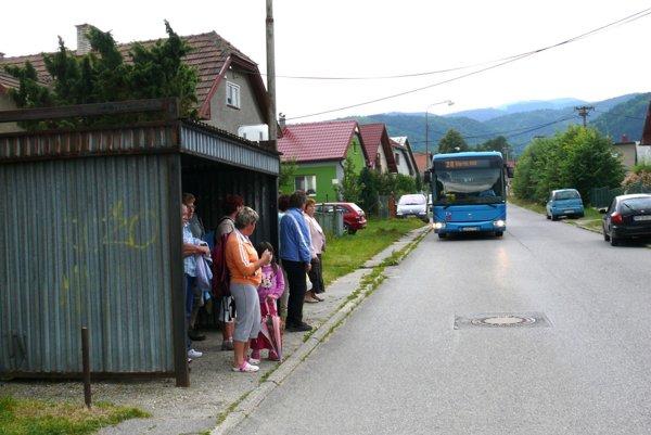 Pri nastupovaní sa už v autobuse nemusíte zdržiavať.