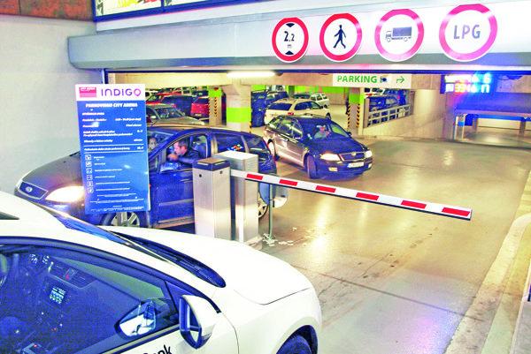 Zadarmo môžete v podzemných garážach City Areny parkovať už iba dve hodiny.
