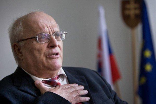 Javorek sľúbil, že do konca roka odíde z funkcie.