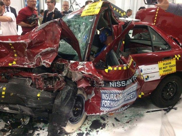 Po teste zostala z Nissanu Tsuru v podstate len kopa šrotu