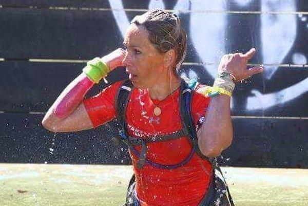 Vo vode. Marcela Bartková počas súťaže Spartan Race.
