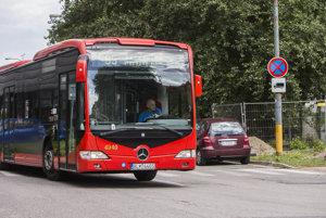 Zmeny na linke autobusu 95 skomplikovali veľa ľuďom dopravu.