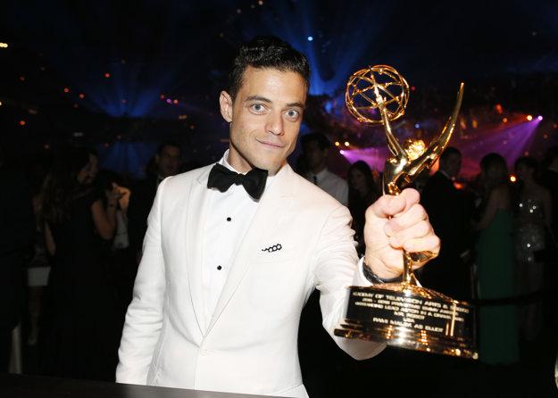 Výherca Emmy Rami Malek si zahrá Freddieho Mercuryho.