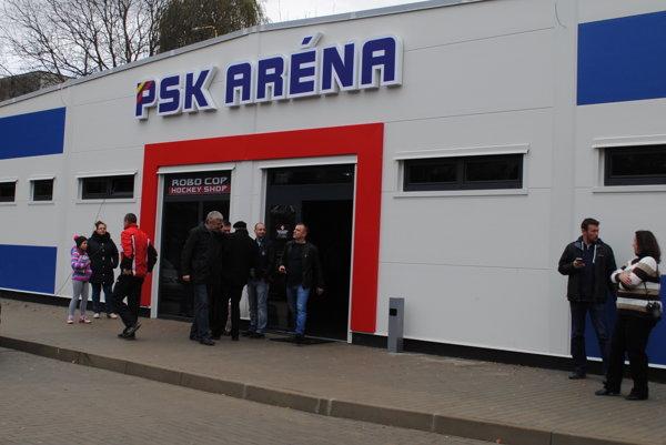 Na Sekčove otvorili PSK arénu s ľadovou plochou.