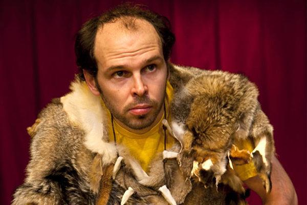 Caveman pobaví trnavských divákov.
