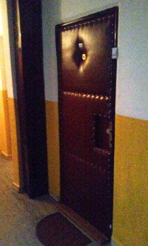Čo sa dialo za týmito dverami?