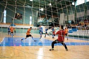 Na Pohári Ľuboša Moravčíka sa v sobotu stretlo 16 tímov starších žiakov z troch okresov.