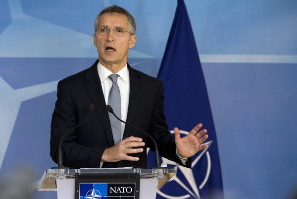 Spoločná obrana si podľa Stoltenberga vyžaduje viac investícií.