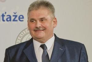 Minister práce, sociálnych vecí a rodiny Ján Richter.