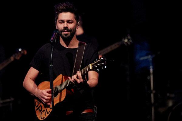 Najhranejším interpretom sa za rok 2015 stal Adam Ďurica.