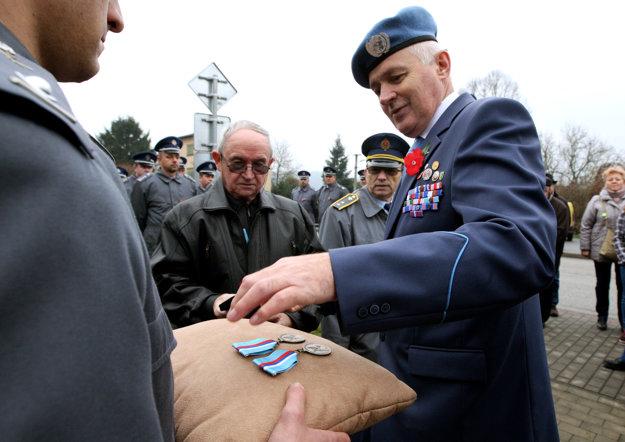 Únia vojnových veteránov odovzdala pamätné medaily.