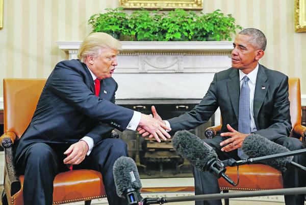 Donald Trump (vľavo) a Barack Obama (vpravo).